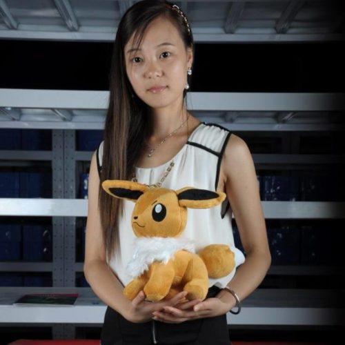 На картинке мягкая игрушка покемон Иви (Eevee) 3 варианта, вид сбоку, вариант 30 см.