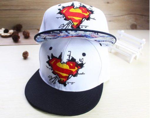 На картинке бейсболка «Супермен» (Superman), общий вид.