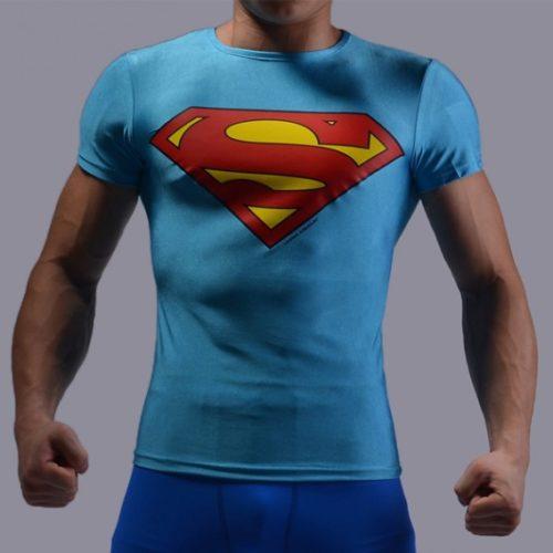 На картинке футболка с эмблемой Супермена (Superman) 4 варианта, вариант Голубая.