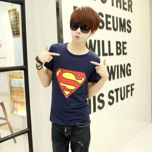 На картинке футболка с логотипом Супермена (Superman) 4 варианта, цвет синий.