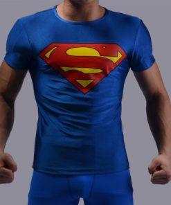 На картинке футболка с эмблемой Супермена (Superman) 4 варианта, вариант Синяя.