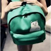 На картинке рюкзак с котом, который показывает факью (4 цвета), зеленый.