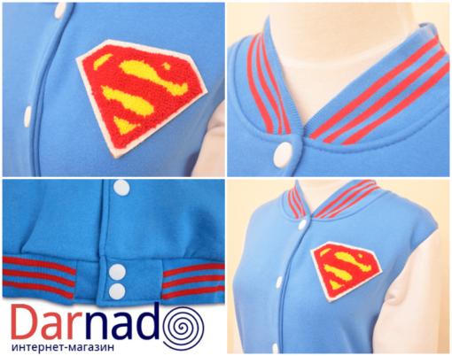 На картинке куртка со знаком (логотипом) Супермена (Superman), детали.
