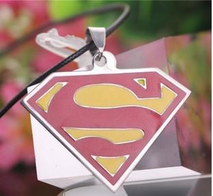 На картинке подвеска «Супермен» (Superman), вид спереди.