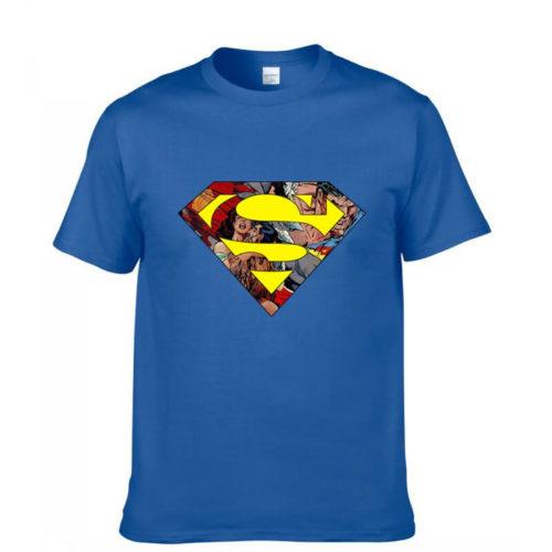 На картинке футболка со знаком (значком) Супермена (Superman), вид спереди.