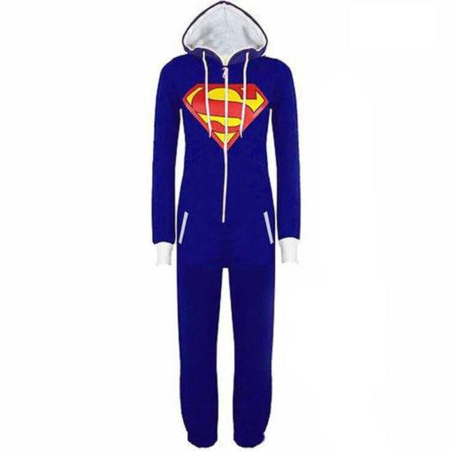 На картинке пижама кигуруми «Супермен» (Superman), вид спереди.