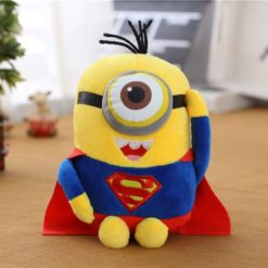 На картинке мягкая игрушка «миньон Супермен» (Superman) 2 варианта, вариант 22 см.