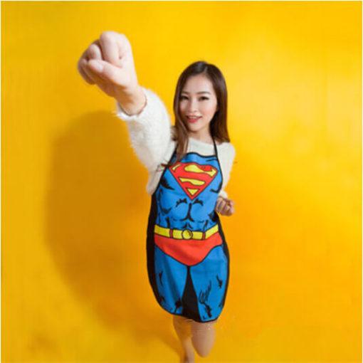 На картинке фартук «Супермен» (Superman), вид спереди.