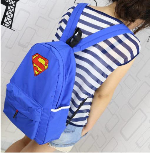 На картинке рюкзак «Супермен» (Superman), общий вид.