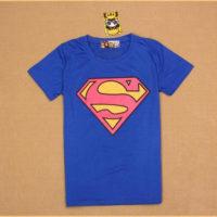 На картинке футболка «Супермен» женская (Superman), вид спереди.