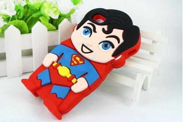 На картинке чехол «Супермен» на айфон 4-4S-5-5S (Superman), вид сзади.