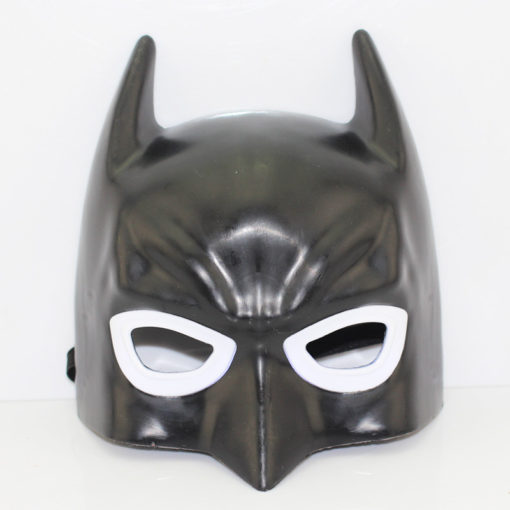 На картинке маски «Мстители» (Марвел \ Marvel) 5 вариантов, вид спереди, вариант Бэтмен.