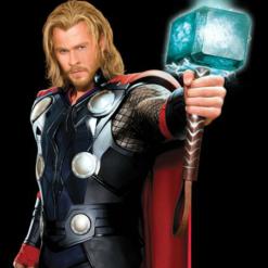 На картинке 3D-светильник «Молот Тора», кадр из фильма.