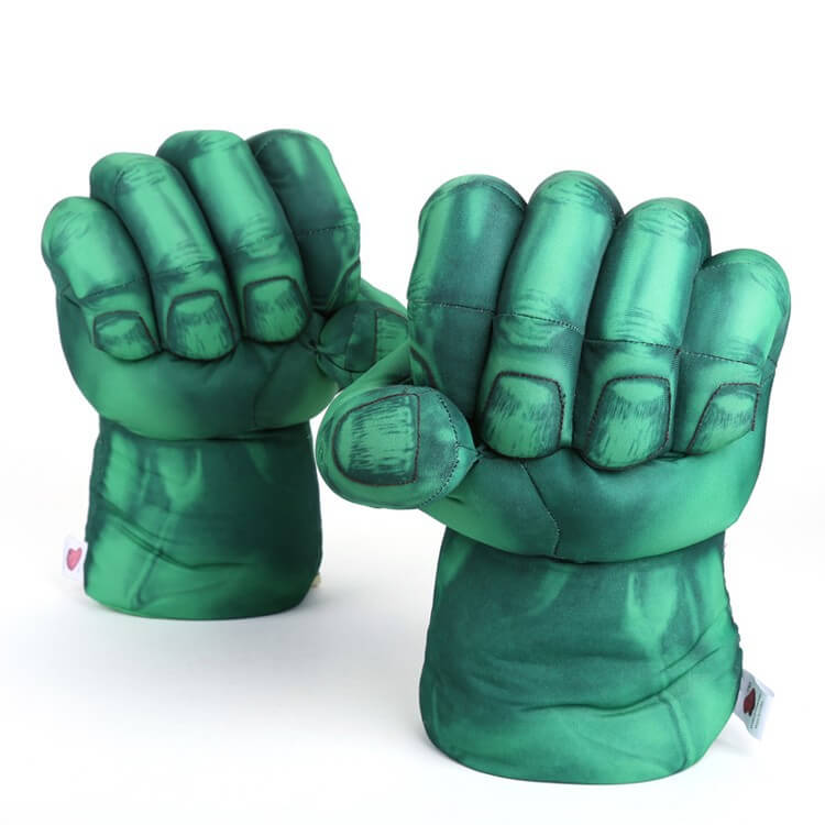 На картинке перчатки в виде кулаков Халка (Hulk \ Avengers \ Marvel).