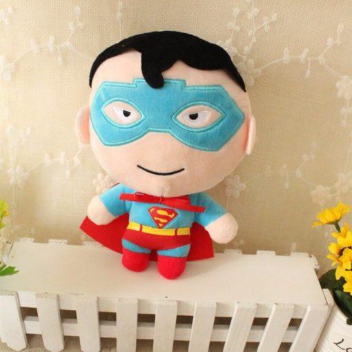 На картинке набор мягких игрушек «Мстители», вариант Супермен.