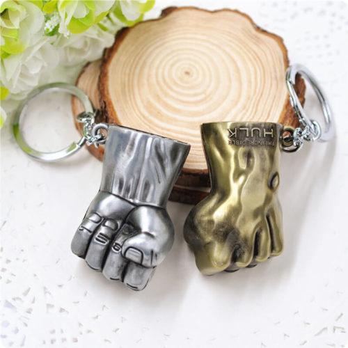На картинке брелок кулак Халка (Hulk \ Avengers \ Marvel), 2 варианта.