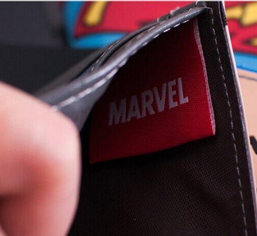 На картинке кошелек с богом Тором от Марвел, детали.