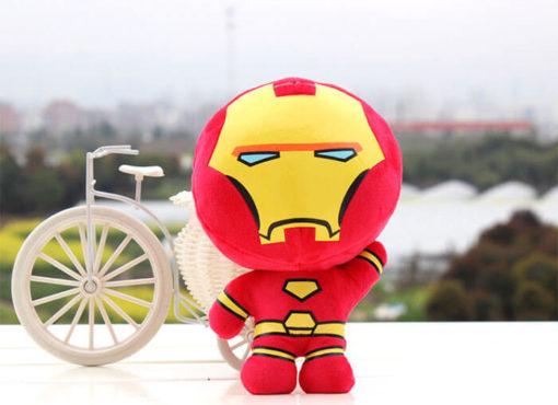 На картинке набор мягких игрушек «Мстители», вариант Железный Человек.