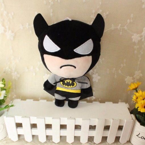 На картинке набор мягких игрушек «Мстители», вариант Бэтмен.