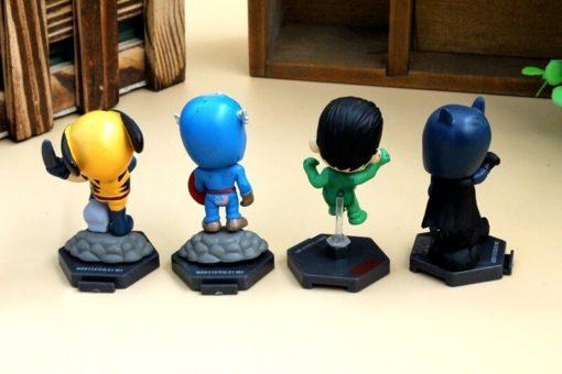 На картинке мини-фигурки Мстителей (Марвел \ Marvel).