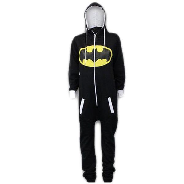 На картинке пижама кигуруми «Бэтмен» (Batman), вид спереди.