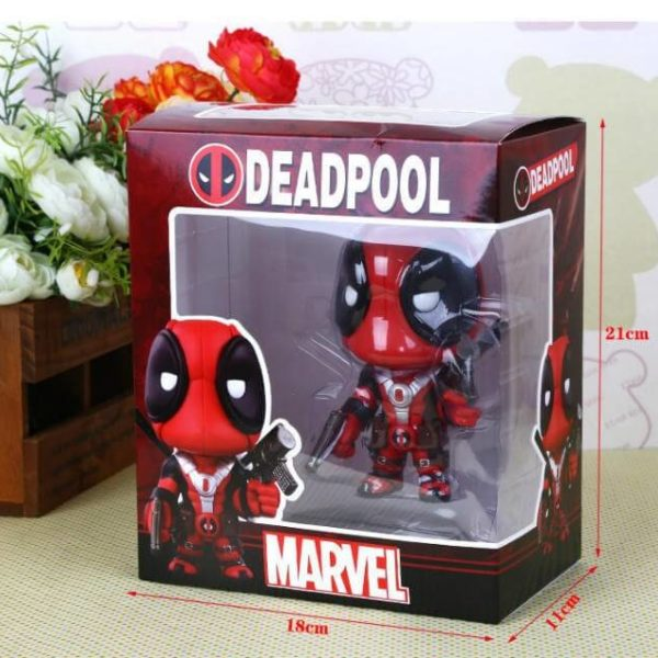 На картинке минифигурка Дэдпула Марвел (Дедпул \ Deadpool), вид в упаковке.