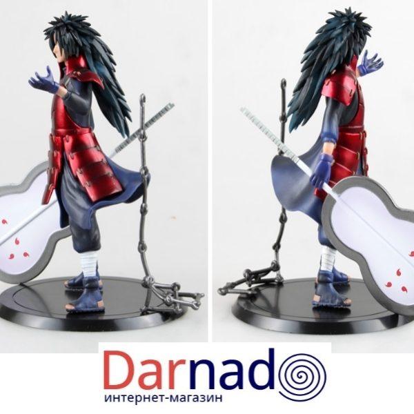На картинке фигурка Мадара Учиха (Наруто \ Naruto), вид сбоку.