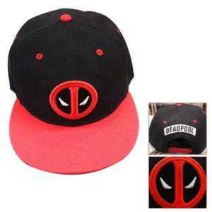 На картинке кепка Дэдпул (Дедпул \ Deadpool) — 4 варианта, вариант 2.