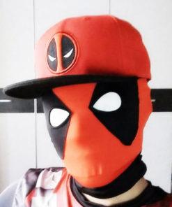 На картинке кепка Дэдпул (Дедпул \ Deadpool) — 4 варианта, вариант 3.