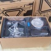 На картинке игрушка мини-реактор Железного Человека (Iron Man), детали.