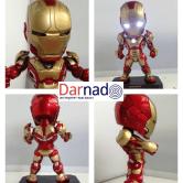 На картинке фигурка нендроид Железный Человек Марк 42 (Iron Man Mark 42), вид с разных сторон.