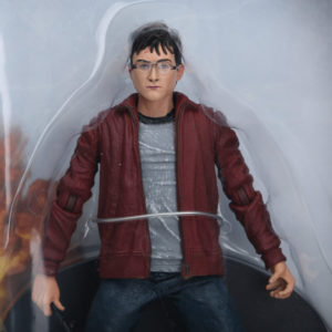 На картинке фигурка Гарри Поттера (Harry Potter), детали.