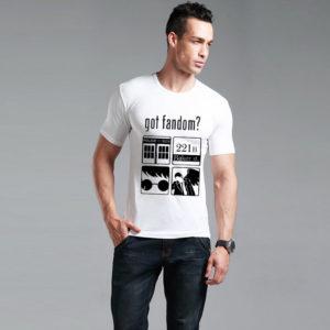 На картинке футболка «Гик» (Сверхъестественное, Доктор Кто, Шерлок, Гарри Поттер) 2 цвета, вид спереди, цвет белый.