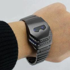 На картинке часы Железного Человека (Iron Man) 2 варианта, вариант Синий.