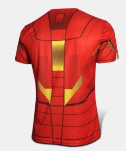 На картинке футболка Железный Человек (Iron Man), вид сзади.