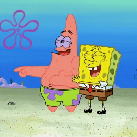 На картинке набор брелоков-подвесок Губка «Спанч» Боб и Патрик «Стар» для ключей, кадр из сериала.