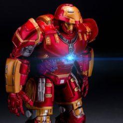 На картинке игрушка Железный Человек Марк 43 Hulkbuster (Эра Альтрона), детали.