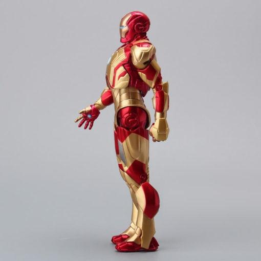 На картинке фигурка Железный Человек Марк 42 (Iron Man), вид сбоку.
