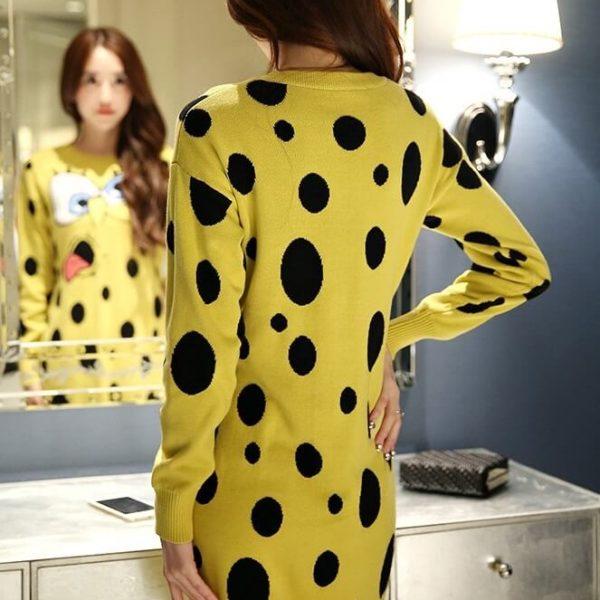На картинке платье-свитер со Спанч Бобом (Губка Боб), вид сзади.