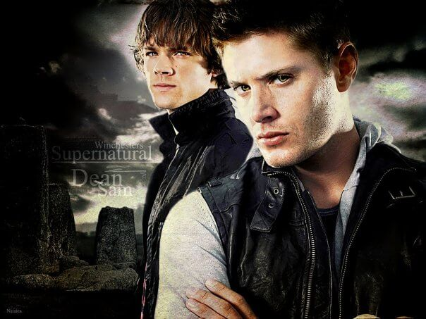 На картинке футболка «Братья Винчестеры» Сверхъестественное (Supernatural) 2 цвета, промо к сериалу.
