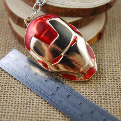 На картинке брелок маска Железного человека (Iron Man) 3 варианта, цвет красный.