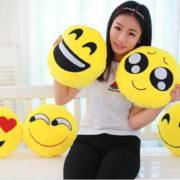 Плюшевые подушки смайлики emoji (12 вариантов) фото
