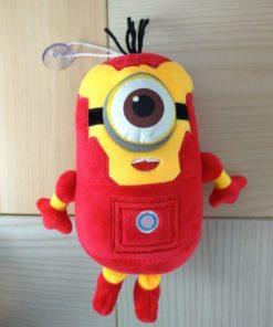 На картинке мягкая игрушка миньон-железный человек (Iron Man), вид спереди.
