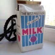 Сумка в виде пакета молока (4 варианта) фото