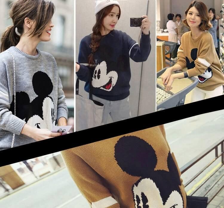 На картинке свитер с Микки Маусом женский (3 варианта), общий вид.