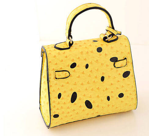 На картинке сумка Спанч Боб (Губка Боб) 2 варианта, вид сзади.