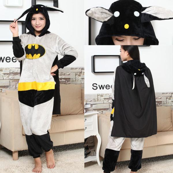 На картинке кигуруми пижама «Бэтмен» (Batman), вид спереди и сзади.