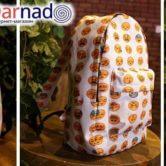 На картинке рюкзак emoji (эмоджи), вид с разных сторон.