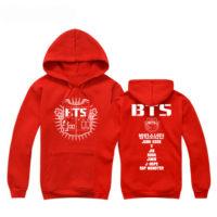 На картинке толстовка Bangtan Boys (BTS), вид спереди и сзади, цвет красный.