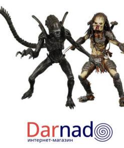 На картинке набор фигурок Хищник против Чужого (Alien vs Predator), вид спереди.